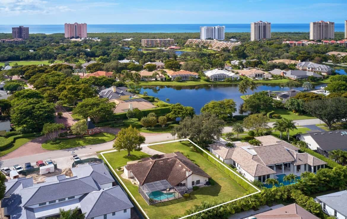 ideally located well maintained pelican bay
