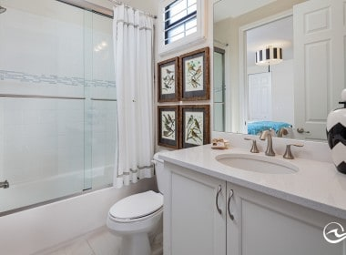 Guest Bathroom En-Suite