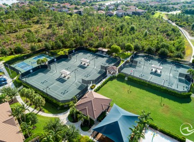 5 Lighted Har-Tru Tennis Courts